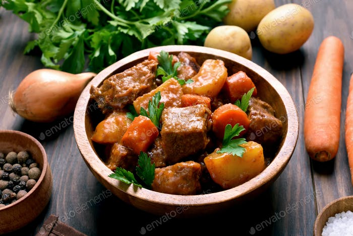 Meat stew with vegetables in bowl