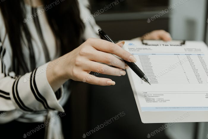 Showing receipt and tax invoice