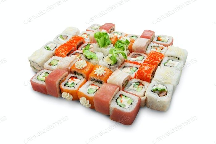 Set von Sushi Maki und Rollen isoliert.