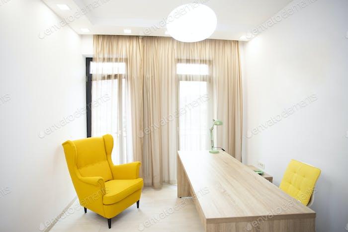 VIP офисная мебель на белом фоне