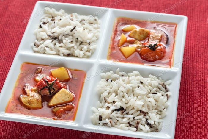 Thai gelbes Curry mit Huhn und Reis