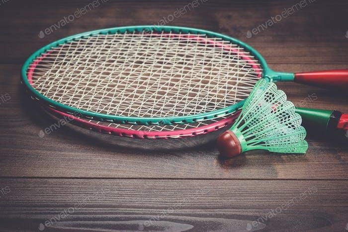 Federball und Badmintonschläger