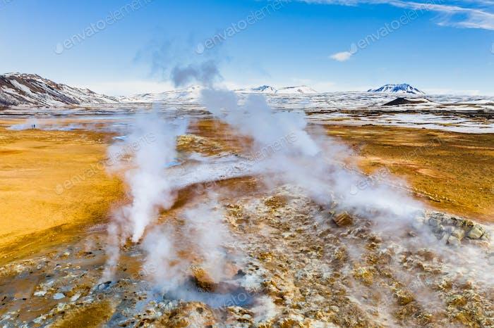 Namafjall Hverir Geothermie Gebiet in Island. Luftbild