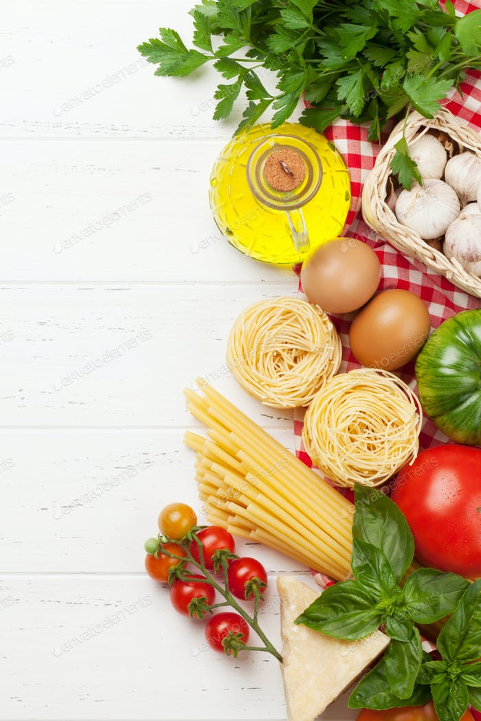 Pasta, tomatoes and herbs