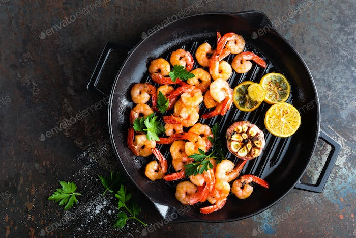 Prawns roasted on grill