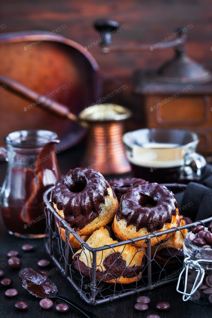 Marble mini bundt cakes with chocolate frosting