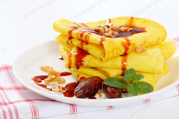 pancakes with walnuts, dates and date syrup