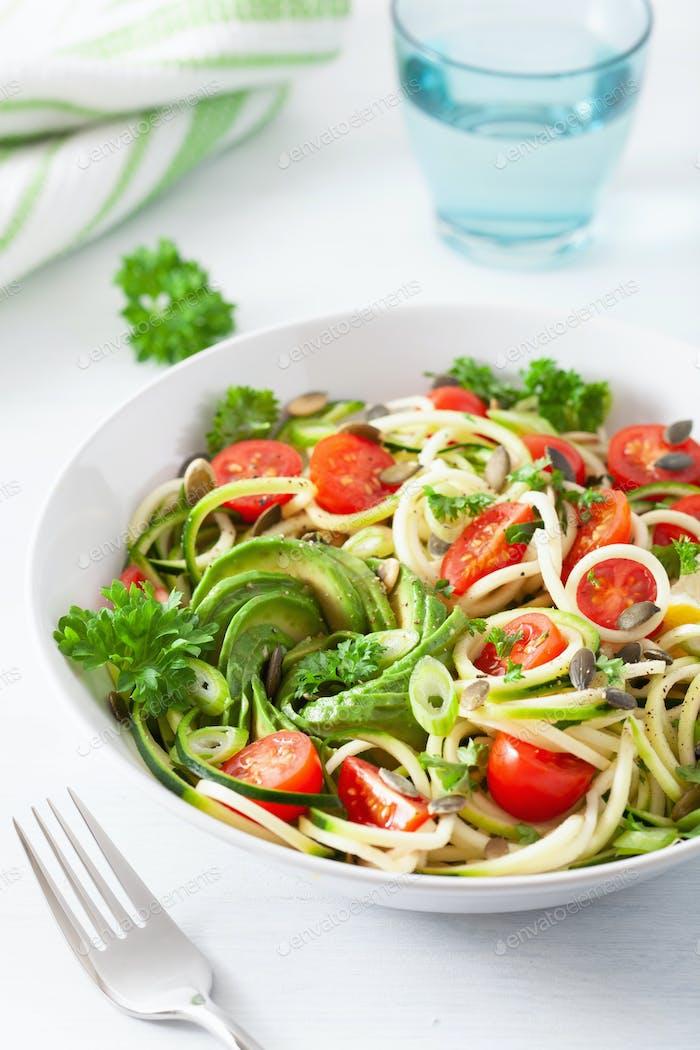vegan ketogenic spiralized courgette salad with avocado tomato p