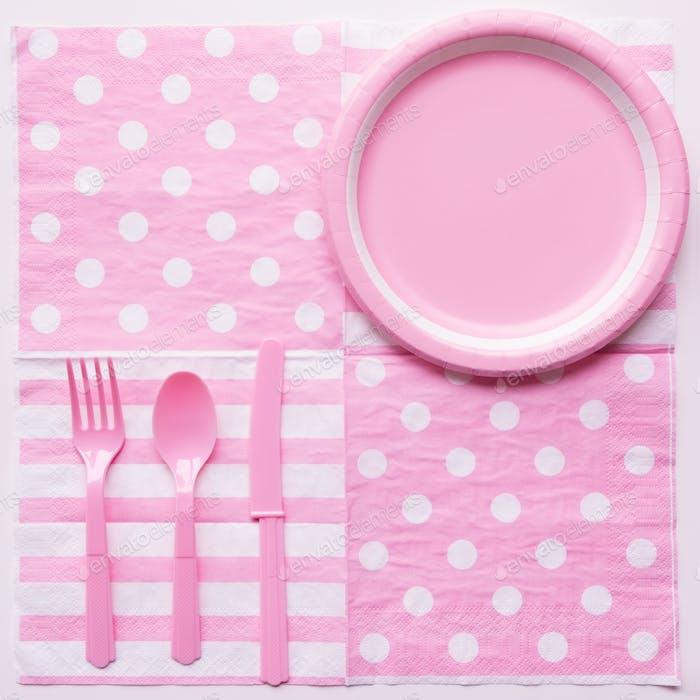 Rosa Farbe Pappteller mit Plastiklöffel, Gabel und Messer