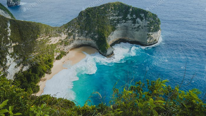 Manta Bay or Kelingking Beach on Nusa Penida Island, Bali, Indonesia. Side Shot