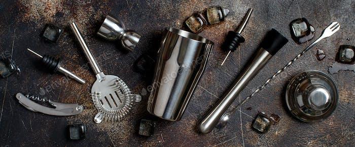 Инструменты бармена для приготовления коктейлей