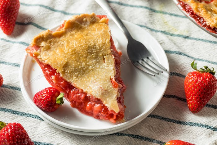Süße hausgemachte Erdbeer-Rhabarber-Pie