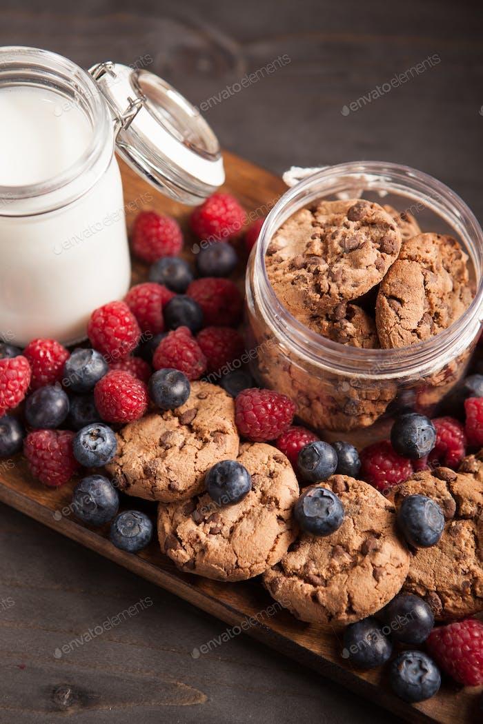Healthy vegan oatmeal chocolate chip cookies with dark chocolate