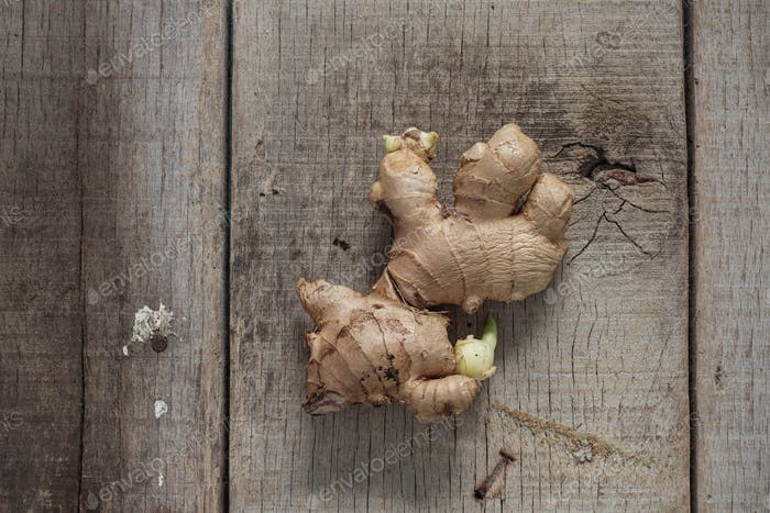 Ginger is sprouting on wood
