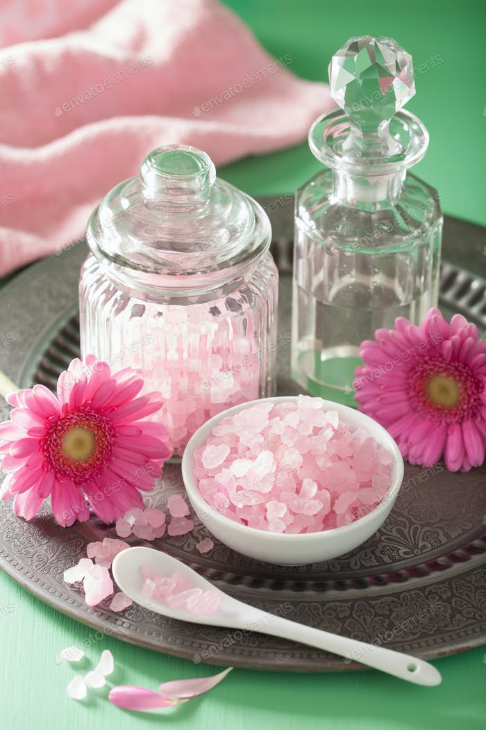 spa aromatherapy with pink salt gerbera flowers