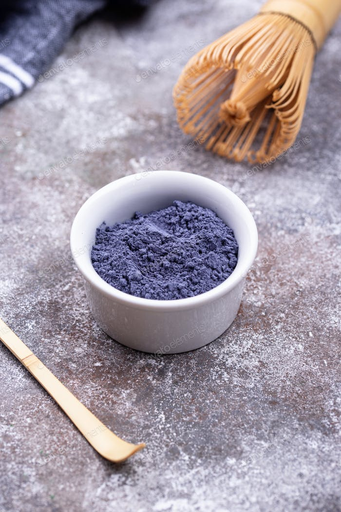 Blue matcha powder from Butterfly pea
