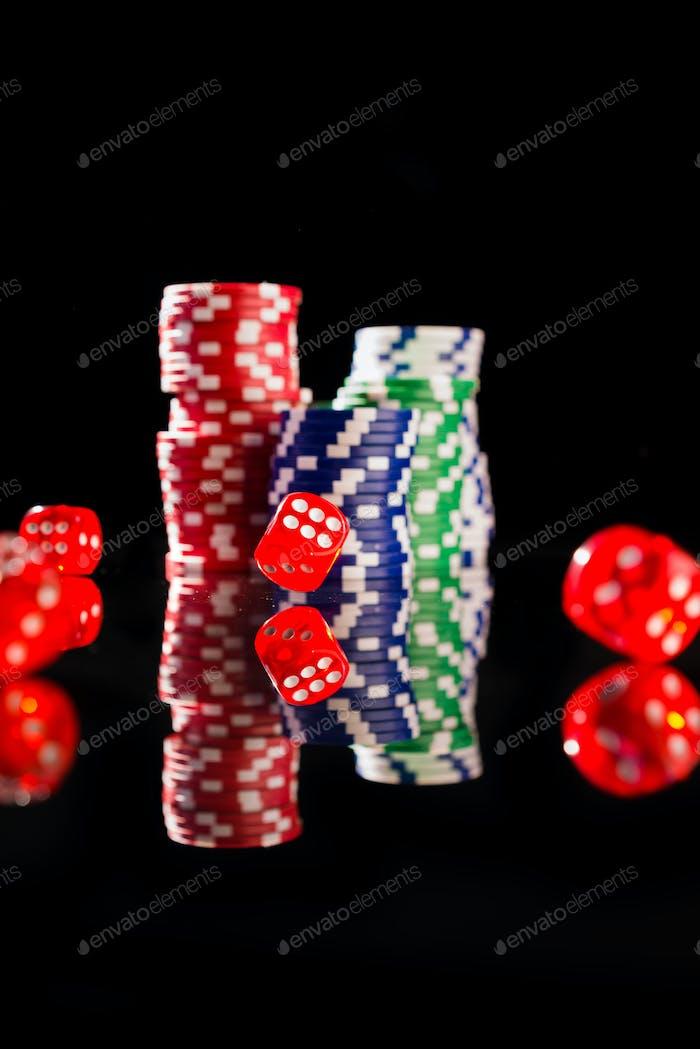 Кости и фишки казино