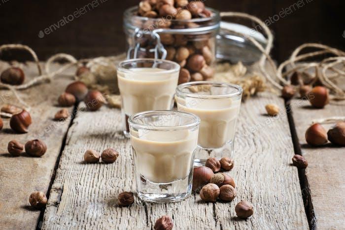 Creamy liqueur with hazelnuts