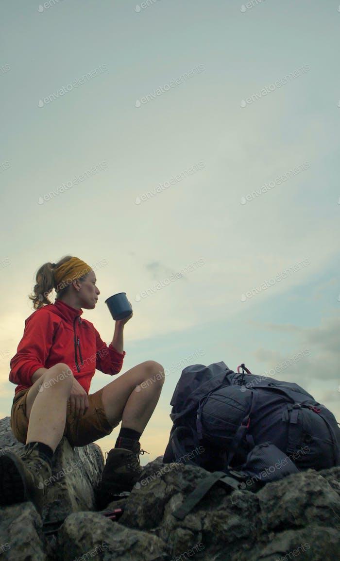 hiker peak mug backpack