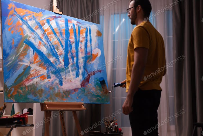 Innovative abstract painter