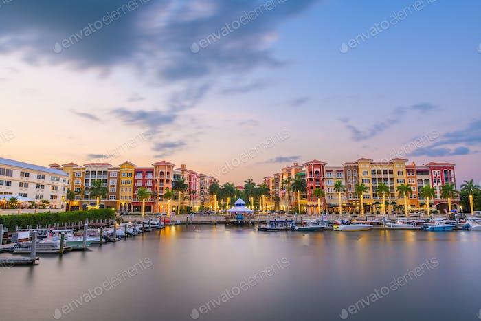 Naples, Florida, USA in der Abenddämmerung