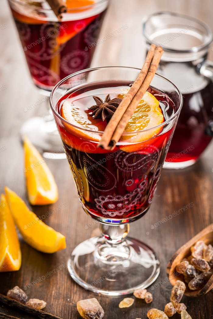 Mulled wine and hot punch for Christmas