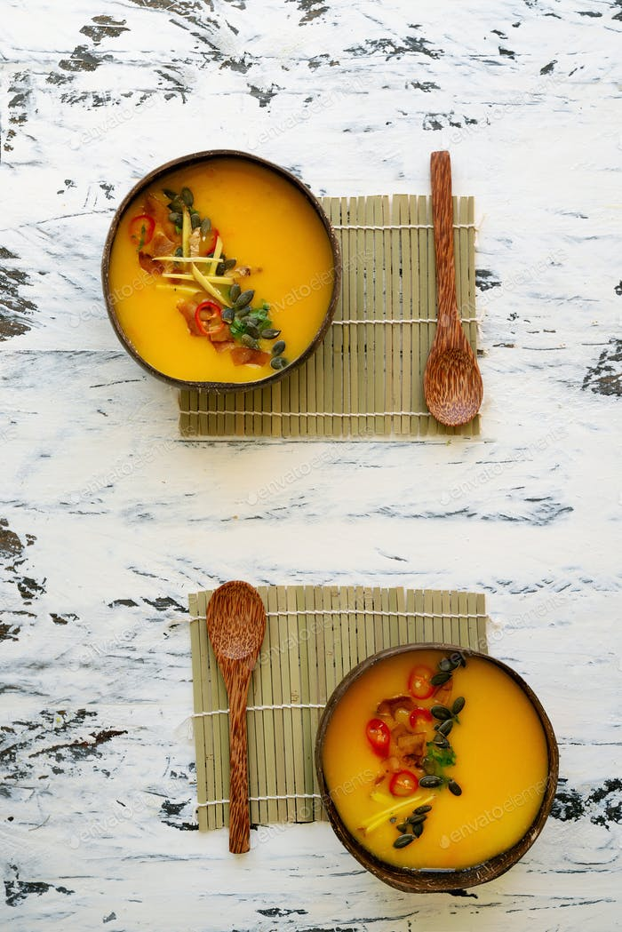 Pumpkin soup with asian spices