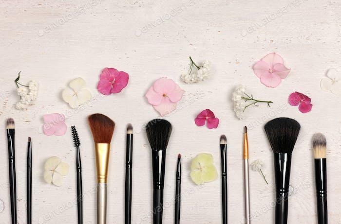 make up brushes arrangement