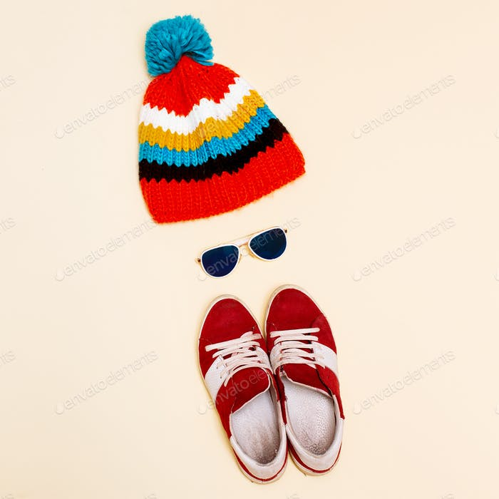Minimalism style hipster set hat  fashion sneakers glasses