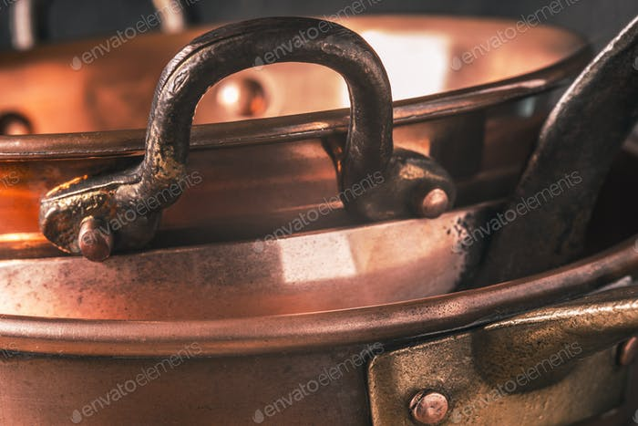 Copper pots and pans horizontal