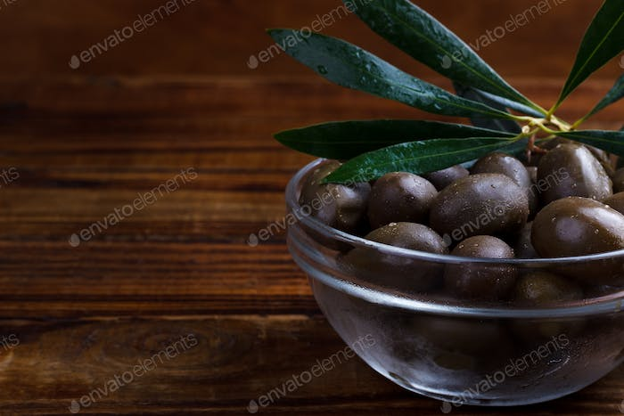 purple marinated olives