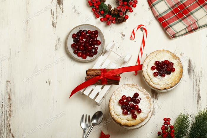 Homemade Berry Pie with Cranberries