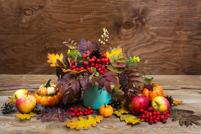 Thanksgiving centerpiece with rowan  in turquoise vase, copy spa