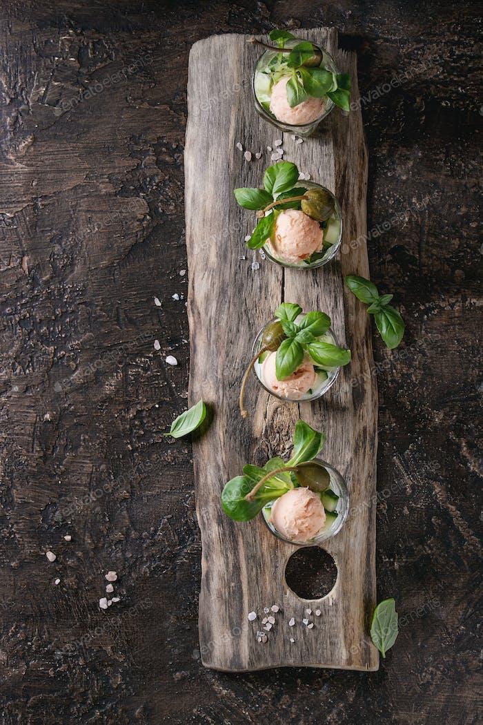 Verrines mit Lachs Pastete