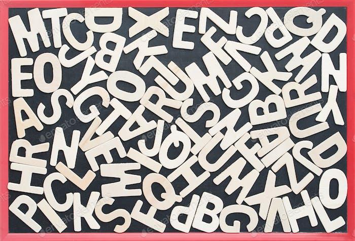 ABC auf dem Schwarzbreit als Hintergrundkomposition