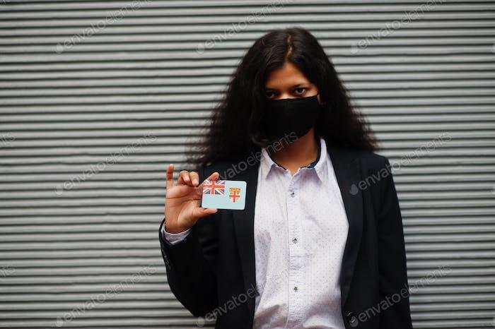 Asiatische Frau mit Fahne