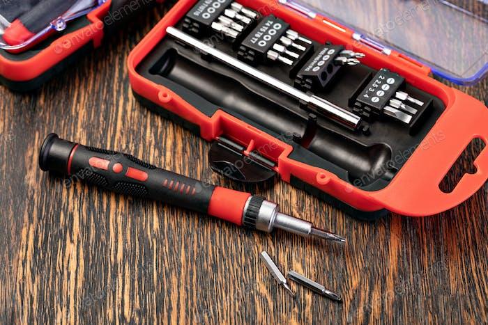Mechanical bit tool set