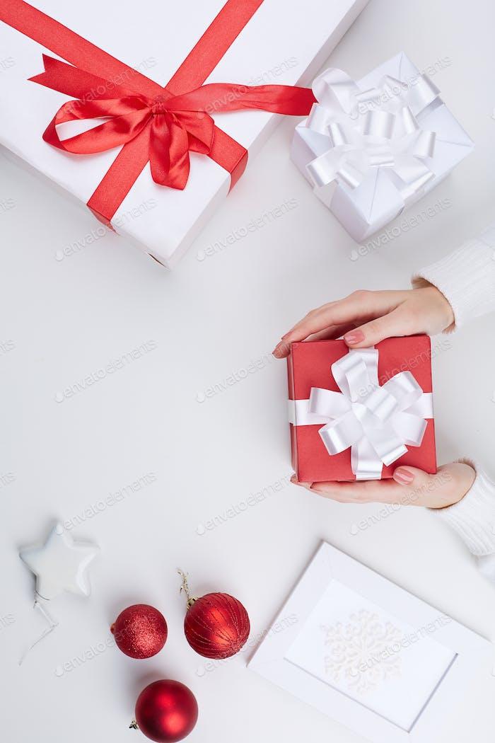 Gifts and xmas symbols