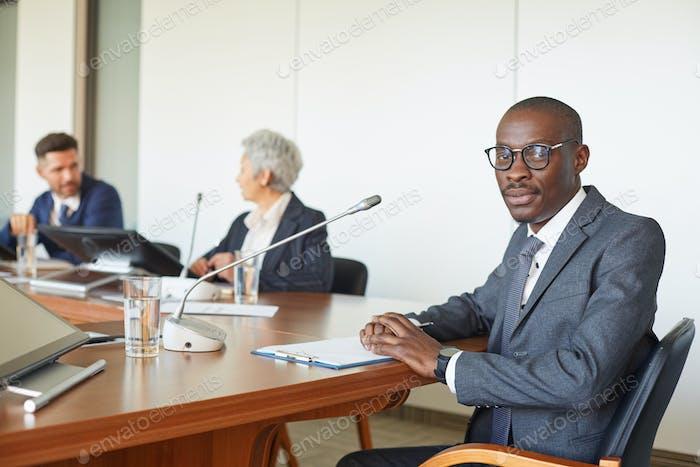 Leiterin auf der Konferenz