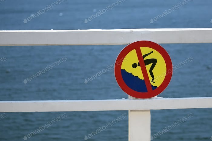 Prohibition sign for diving into the water