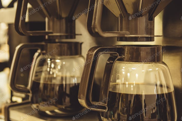Coffee makers with filters