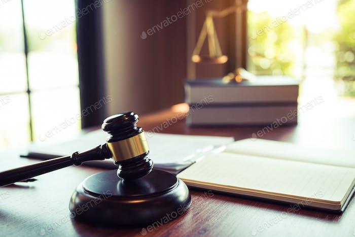 Magistrado de la oficina judicial para asuntos judiciales.