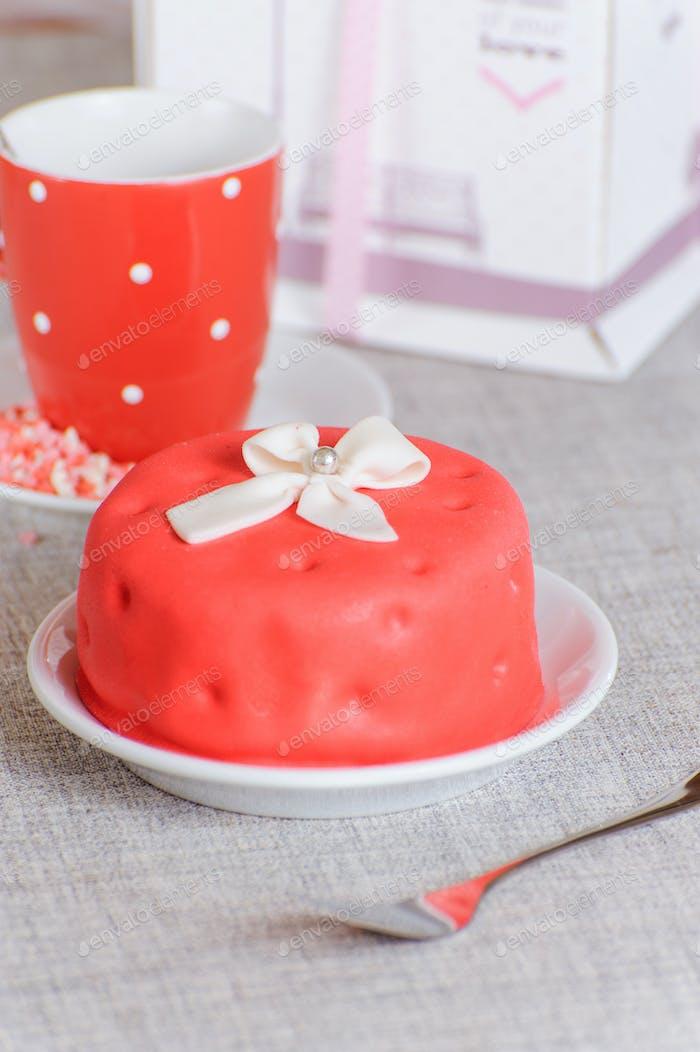 kleiner roter Kuchen