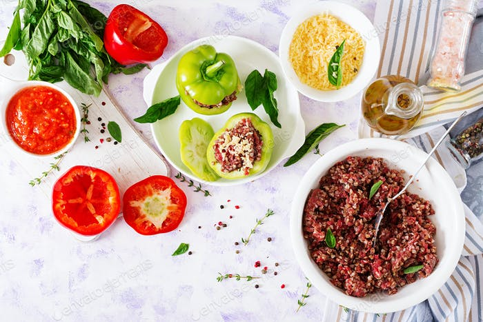 Ingredients for preparation of stuffed pepper with minced meat and buckwheat porridge.