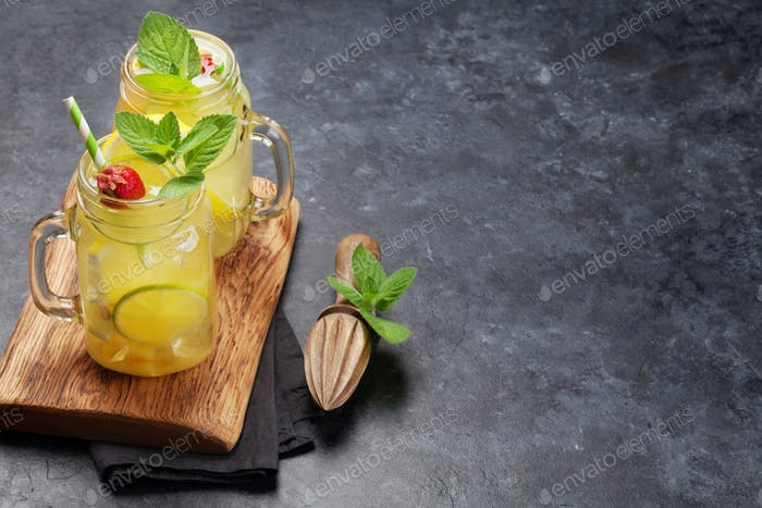 Frische Sommer-Zitrus-Limonade