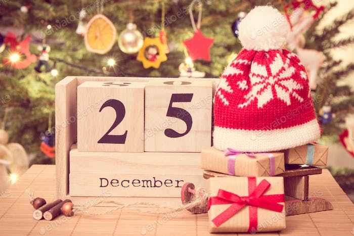 Christmas Date.Date 25 December Gifts With Sled And Cap Christmas Tree