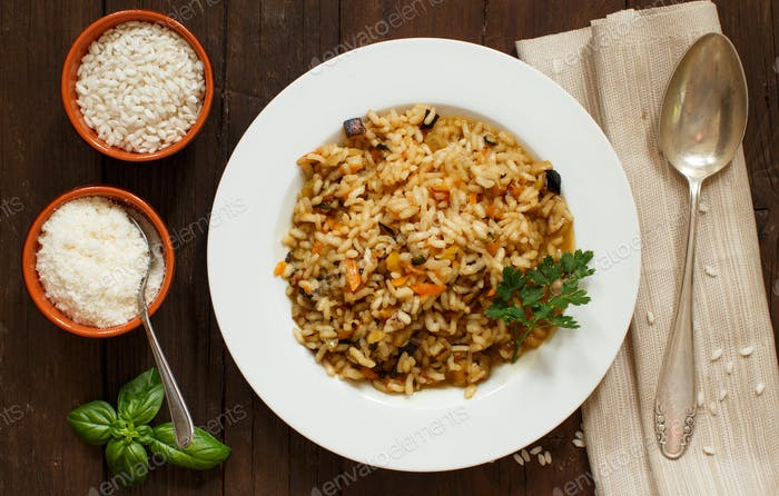 Risotto with vegetables and spices