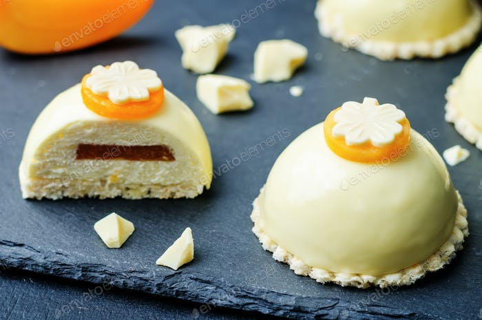 persimmon white chocolate cream cheese mousse cake