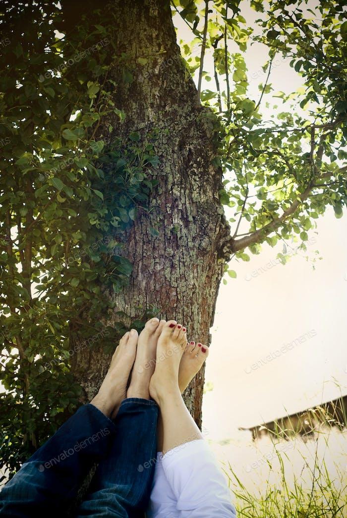 Nahaufnahme der nackten Füße