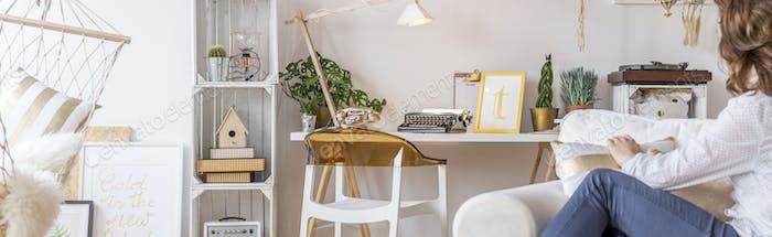 Multifunktionales Zimmer mit Hängematte